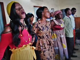 choir Mennonite church MWC Deacons delegation, Ouagadougou, Burkina Faso. Photo: J. Nelson Kraybill